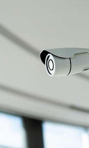 Câmeras de segurança para escritórios.