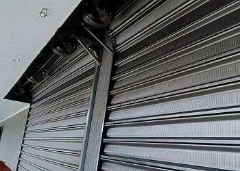 Manutenção de porta de aço de enrolar