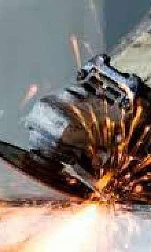 Manutenção de portas de aço